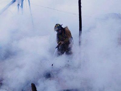 Incendio en inquilinato de Ciudad del Este consume tres habitaciones