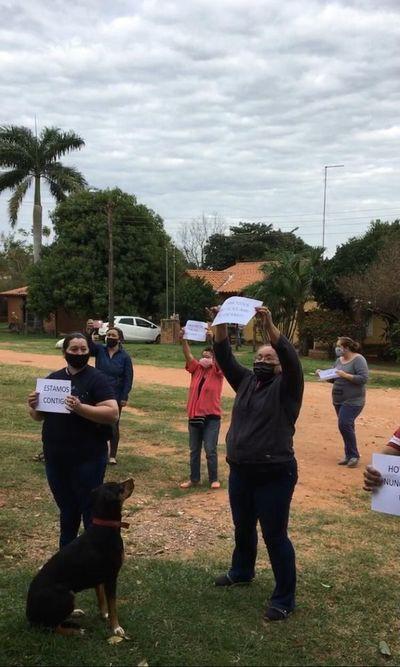 Solidaridad de vecinos con joven que dio positivo a COVID-19