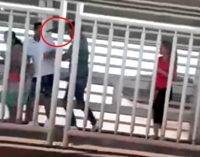 Filman asalto a mano arma sobre el Puente de la Amistad.