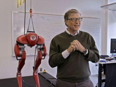 Bill Gates califica como 'más sombrío' al panorama mundial por la pandemia