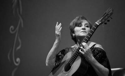 "HOY / Berta Rojas invita a analizar sobre  ""El ser paraguayo"""