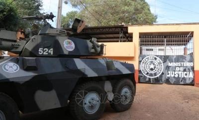 HOY / Guardiacárceles de CDE que dieron positivo a COVID-19 son forzados a ir a trabajar, denuncian
