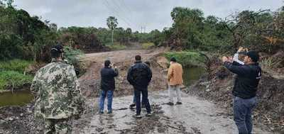 Taponan ilegalmente riacho en zona de comunidad nativa