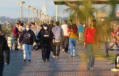 Denunciaron aglomeración en la Costanera de Asunción y Expo Frutilla durante el fin de semana