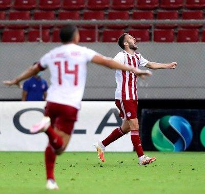 Olympiakos ganó al AEK Atenas y es campeón en Grecia