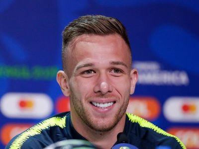 Barcelona anuncia el traspaso de Arthur a la Juventus
