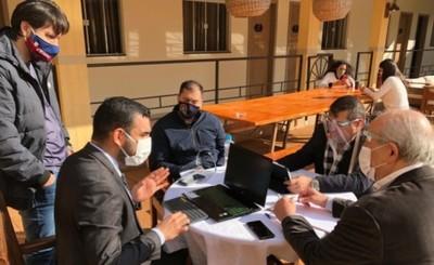 Primer Encuentro de Intendentes de la Frontera se realiza en SDG