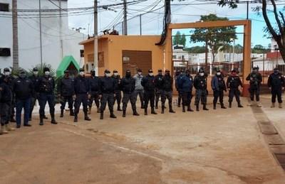 """Guardias con covid-19 en cárcel de CDE siguen trabajando, """"porque ellos pidieron"""", según ministra Pérez"""