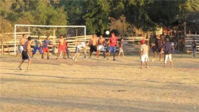 Detenidos por jugar fútbol en cuarentena