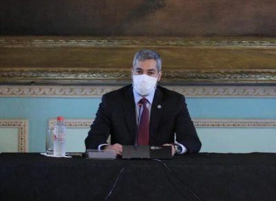 """""""Este fin de semana vimos mucha aglomeración"""", advierte Abdo Benítez"""