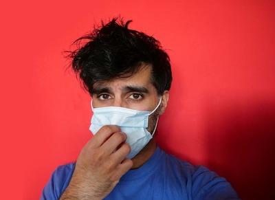Un estudio en EE.UU. demuestra que los hombres son más reacios a usar tapaboca
