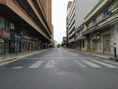 Pequeños y medianos negocios de comidas en centro de Asunción, los más azotados