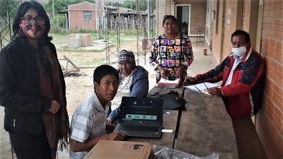 Entregan 39 notebooks del MEC para escuelas indígenas de Alto Paraguay