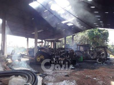 Atacan estancia y queman tractores en zona de  Pasinho