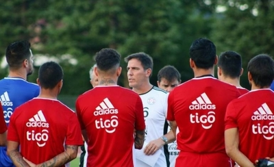 HOY / Berizzo vendrá al país para la reanudación del fútbol