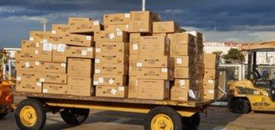 Llega carga de 25 toneladas de equipos de protección personal