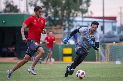 Guaraní asegura a Jorge Bava y Fernando Barrientos