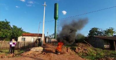 """En Concepción protestan contra presunta antena """"disfrazada"""" de tanque de agua"""