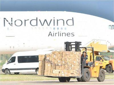 Covid-19: Avión carguero arriba con 25 toneladas de insumos médicos