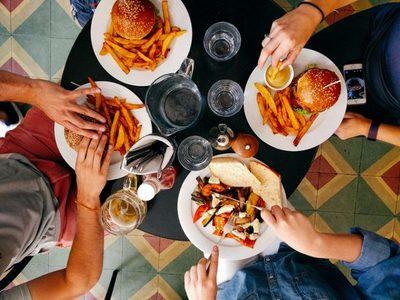 Tus comidas favoritas llegan hasta tu mesa