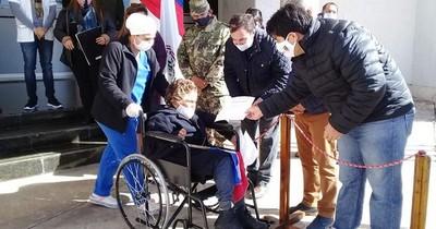 Abuelitos, libres de COVID-19, abandonan albergue en San Bernardino