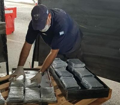 SENAD DETUVO A PARAGUAYOS QUE INTENTARON TRANSPORTAR CARGA DE COCAÍNA EN CAMIÓN FRIGORÍFICO HASTA CHILE