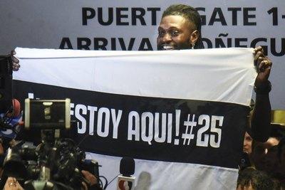 Llegó el último día: Fue un placer Emmanuel Adebayor…