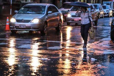 Se prevé lluvias y tormentas con ingreso de un frente frío en las próximas horas