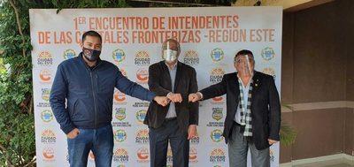 Intendentes Municipales de fronteras urgen encuentro con el presidente de la República por crisis económica en la zona