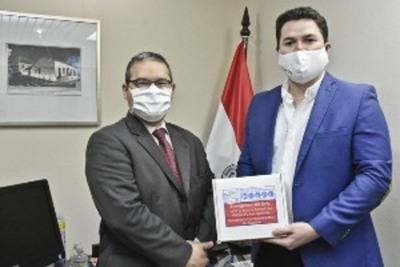 Cancillería entregó respirador CPAP a empresa que pretende fabricar el aparato en el país