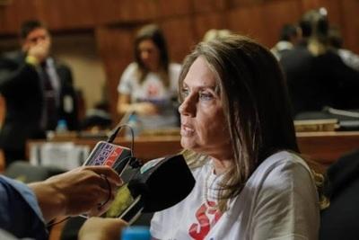 Diputada cuestiona que Gobierno pida más dinero sin brindar resultados sobre fondo de emergencia