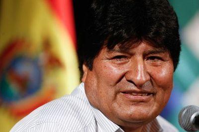 """Gobierno de Bolivia acusa de """"desestabilización"""" a Morales y Maduro"""