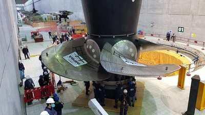 Instalan nueva turbina en la Unidad 01 de la Central Hidroeléctrica de Yacyretá