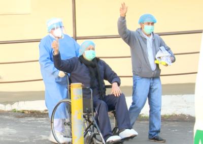 Dos pacientes que vencieron a la Covid-19 fueron dados de alta luego de 15 días