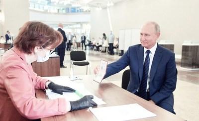 """Plebiscito abre camino a Putin para """"permanecer en el Kremlin de por vida"""""""