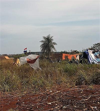 Supuestos sintierras invaden una propiedad usurpada en Tavapy