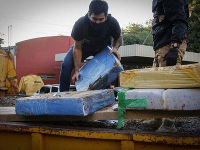 Totalizan 1.774 kilos de marihuana incautada en camión tumba