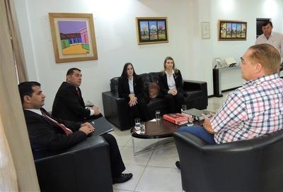 Control en «CUOTAS» en la Gobernación del Alto Paraná