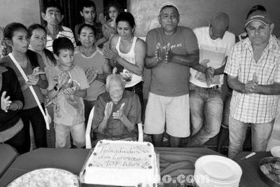 Excombatiente de la Guerra del Chaco cumplió 107 años y los festejó con sus familiares en el distrito de Yby Yaú