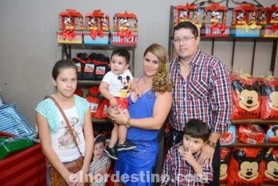 Carlos Eduardo festejó su Primer Añito con una gran fiesta en el Salón Parroquial Capitán Bado de Brasil