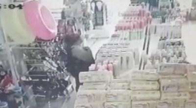 Mujer con 13 antecedentes fue detenida por robar productos y guardarlos en su ropa interior