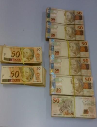 Detienen a MOTOTAXISTA paraguayo con REALES adheridos al cuerpo