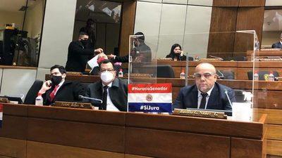Reavivan intención de que Horacio Cartes jure como senador