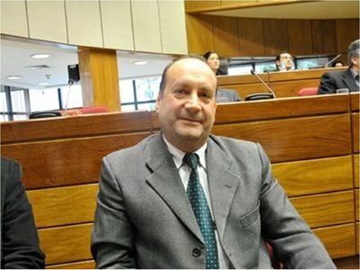 Senadores cuestionan tibieza para combatir la corrupción