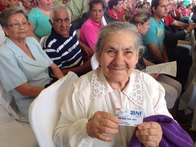 "Convocan a manifestarse a favor del ""Cobro de tercera edad sin censo"""
