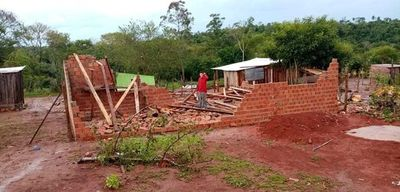 700 familias afectadas por temporal en Franco