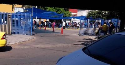 COVID-19: 30 personas van a cuarentena tras casos positivos en supermercado de Luque
