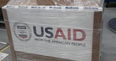Tras polémica, anuncian embarque de 50 respiradores donados por Estados Unidos