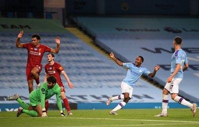 Liverpool estrena su título de la Premier siendo goleado por el Manchester City