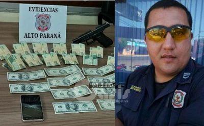 Policía sospechoso de asalto a comerciantes fue detenido